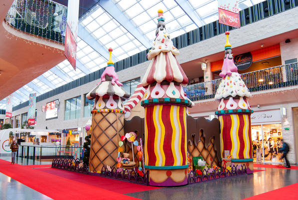 Decor of Ice cream palace