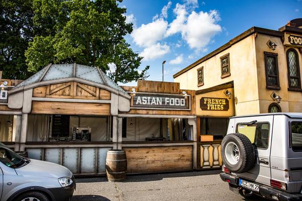 Western Food Street Parookaville