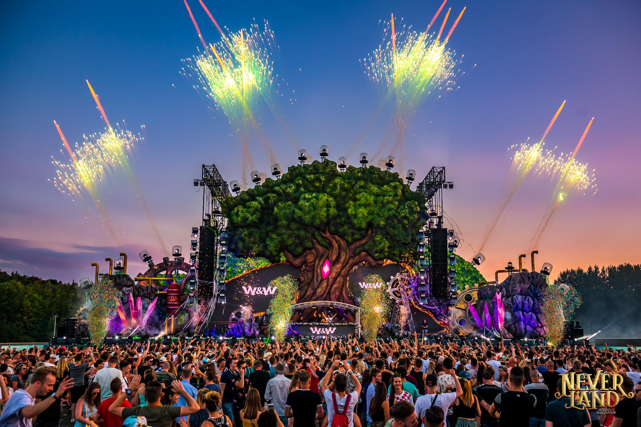 The Tree – Neverland festival | Phixion