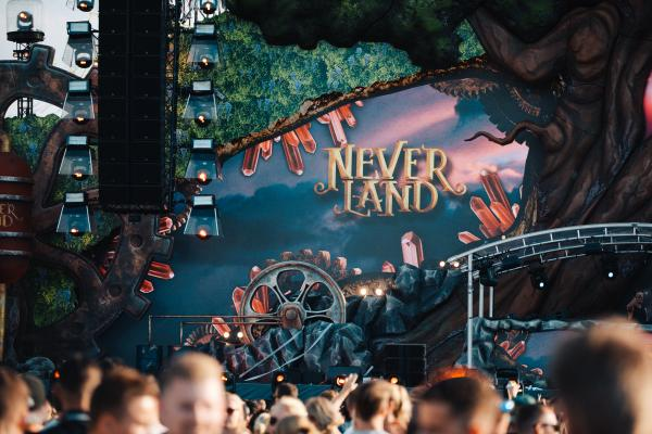 Neverland Main Stage 2018