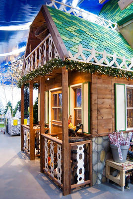 Decor of Christmas chalets