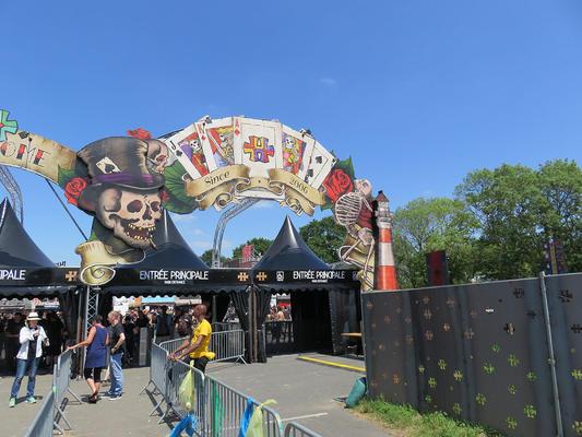Entrée principale de Hellfest 2016