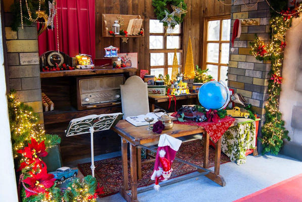 Decor of Chalet of Santa